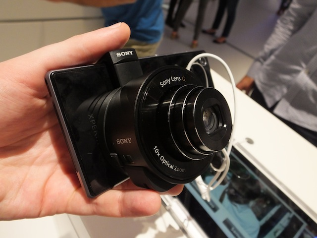 Sony upgrades smartphone-pairing QX10 and QX100 lens cameras with higher ISO and 1080p video capture